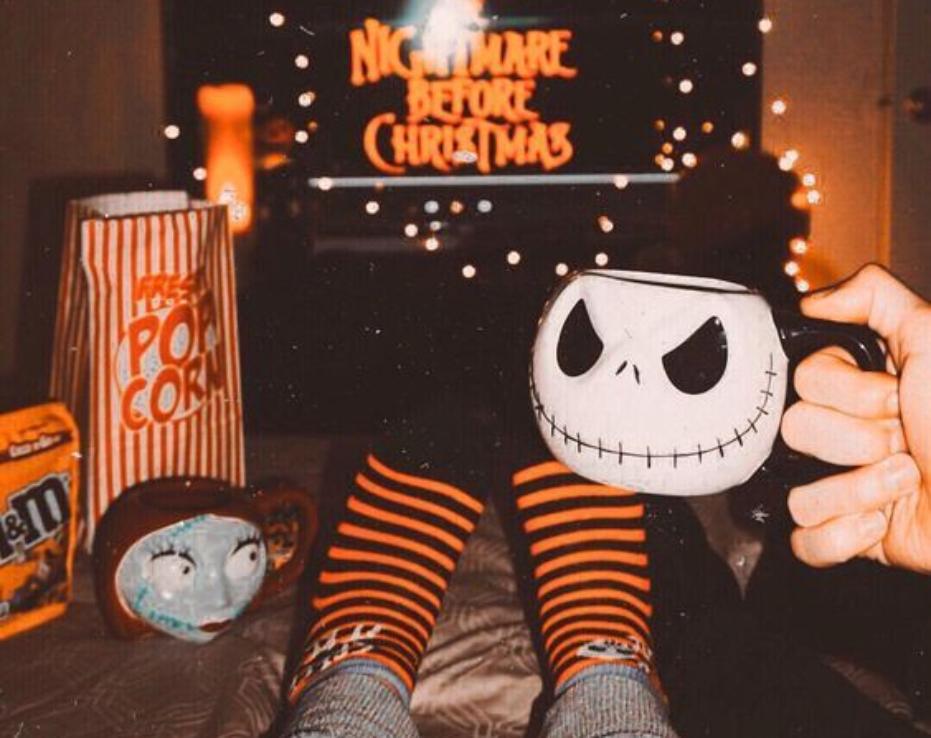 Los 5 planes imprescindibles para celebrar Halloween en casa