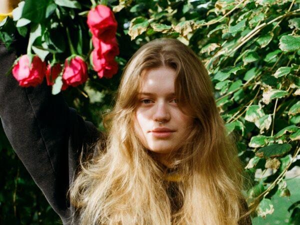 La artista noruega girl in red anuncia su álbum debut