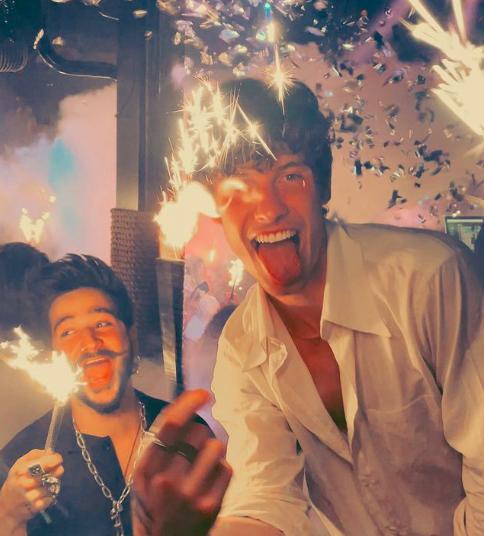 Camilo junto con Shawn Mendes en una fiesta/ Fuente: @camilo (Instagram)